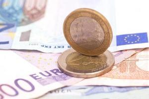 monete e banconote in euro di denaro foto