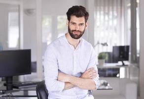 ritratto di giovane uomo d'affari foto