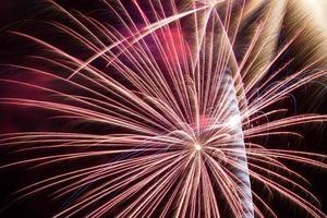 i fuochi d'artificio si chiudono foto