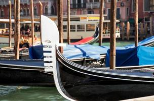 gondola di venezia da vicino foto