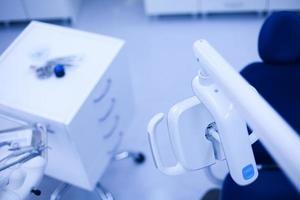 strumenti dentali del primo piano foto