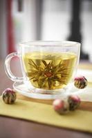 tè di fiori da vicino foto