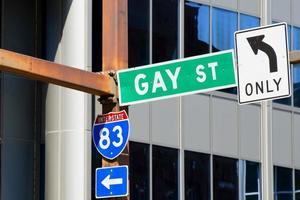 unico segno di strada gay foto
