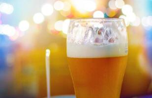 bicchiere di birra foto