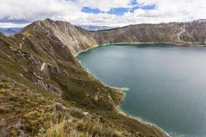 lago del cratere di quilotoa, ecuador foto