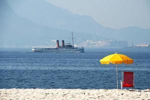 serenidade à beira-mar foto