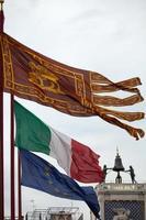 la bandiera di venezia foto