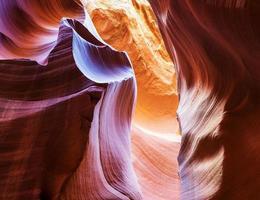 primo piano del canyon superiore dell'antilope in pagina, ar foto