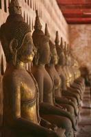 immagini di buddha, wat si saket, vientiane, laos foto