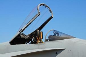 baldacchino dell'aereo da caccia f-18 calabrone. foto
