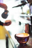 tazza di caffè espresso italiano espresso con macchina