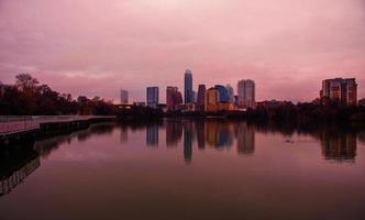 bronzo austin texas 2015 ponte di riflessione del nuovo lago foto