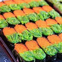 cibo tradizionale giapponese, sushi foto