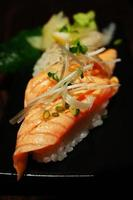 salmone sushi foto
