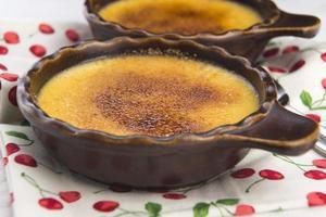 dessert francese - crema brulée foto