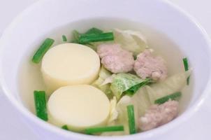 minestra chiara di tofu foto