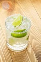 cocktail classico margarita con bordo salato foto