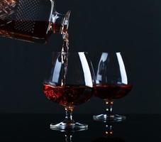 bicchiere da brandy con brandy