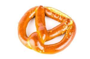 pretzel isolato sfondo bianco foto