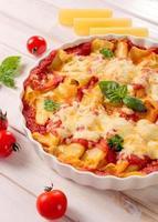 cannoli di pasta al formaggio foto