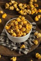 popcorn al caramello e formaggio stile chicago foto