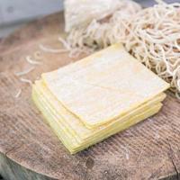 wonton e noodles foto