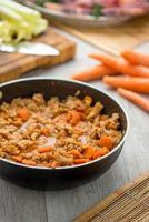 foiolo italiano con fagioli e carote foto
