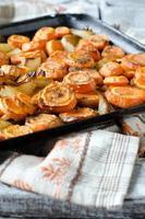 carote al forno con cipolle