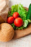 ingredienti hamburger sul tavolo