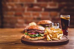 hamburger fatto in casa foto