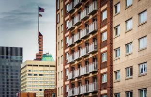 gruppo di grattacieli nel centro di Baltimora, Maryland. foto