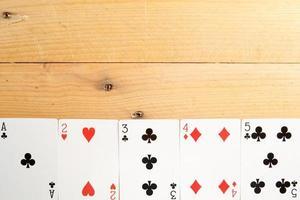 carte da poker su legno foto