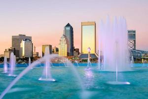 Jacksonville, florida skyline della fontana foto