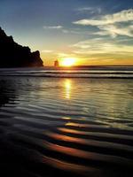tramonto della baia di Morro. foto