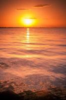 tramonto sul mar mediterraneo foto