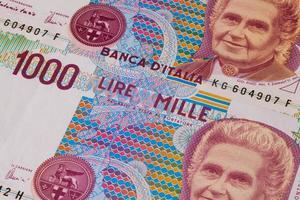 diverse vecchie banconote dall'Italia foto