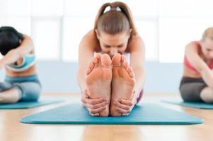 esercizio di stretching. foto