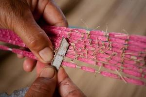 processo di tessitura, tintura, thaisilk foto