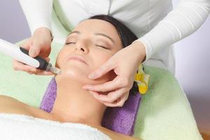 mesoterapia, trattamento anti invecchiamento foto