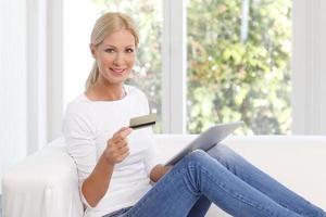 shopping online con carta di credito foto