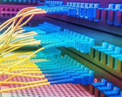 cavo a fibre ottiche nel centro tecnologico foto