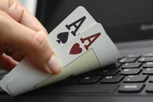 poker online foto