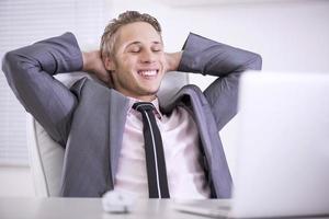 uomo d'affari rilassato foto
