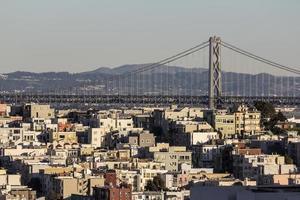 case in collina di San Francisco e il ponte della baia