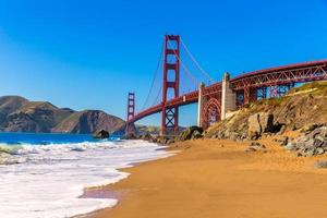 San Francisco Golden Gate Bridge Marshall Beach in California foto