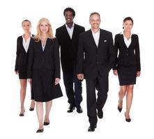 gruppo multi-razziale di uomini d'affari foto