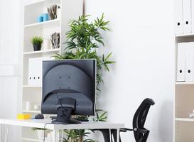 scrivania da ufficio foto