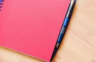 blocco note e penna foto