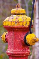 vecchio idrante antincendio foto