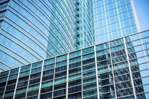 primo piano di vetro moderno del grattacielo foto